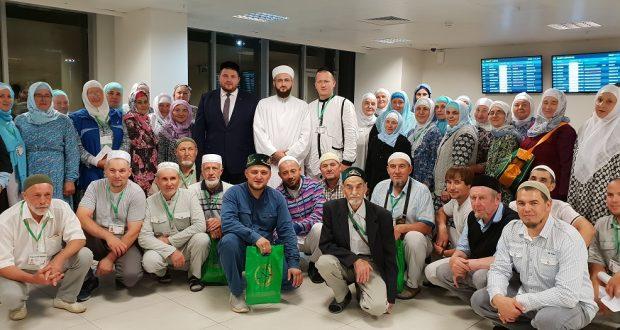 Муфтий Татарстана проводил паломников в Хадж