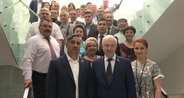 Бөтендөнья татар конгрессы коллективы Ринат Закировны юбилее белән котлады