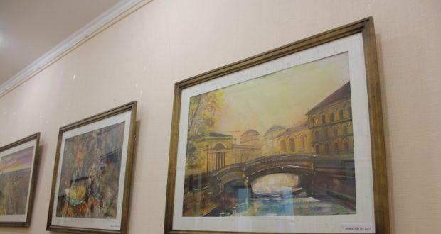 В Санкт-Петербурге открылась выставка работ Эльмиры Мустафиной «На одном дыхании с Петербургом…»