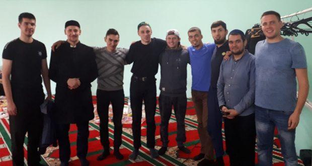 На мусульманском кладбище города Екатеринбурга прошёл субботник