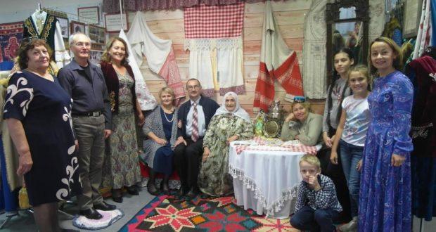 Центр татарской культуры г. Бердска Новосибирской области принял участие в открытии выставки национальных культур