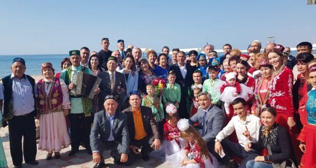 ФОТОРЕПОРТАЖ: Татарстан Республикасы Президенты Рөстәм Миңнеханов Кыргызстан татарлары белән очрашты.