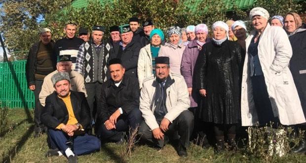 Ульян татарлары ата-бабалары җирлегендә Корбан ашында катнашкан