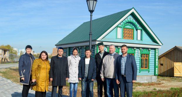 Татарская общественность побывала в этнографическом комплексе «Парк дружбы народов»