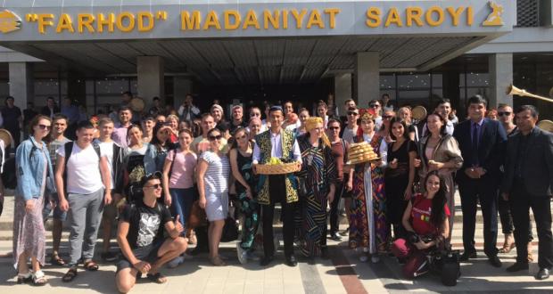 «Казан» бию ансамбленең Үзбәкстан Республикасында гастрольләре дәвам итә