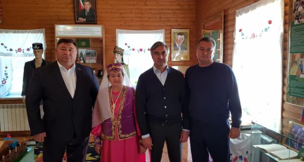 Милли Шура рәисе Оренбургта Төбәк татар милли-мәдәни мохтарияте җитәкчелеге белән очрашты