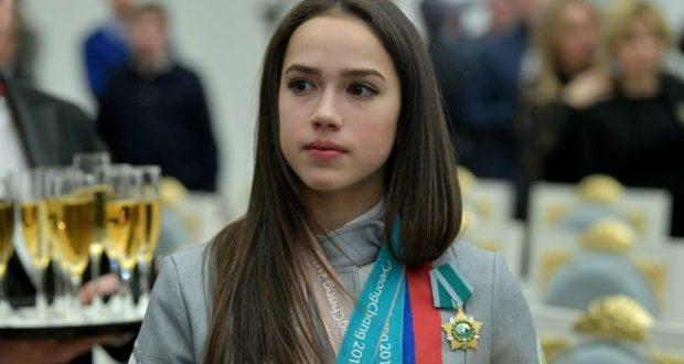 Россия тимераякта фигуралы шуу остасы Алинә Заһитова яңа дөнья рекорды куйды