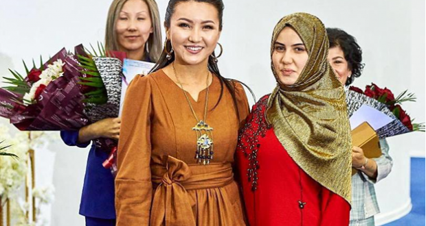 Творческий успех Хадии Шангареевой на Международном фестивале моды «Сән мен Сахна» в Астане
