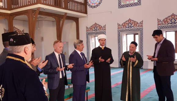 Vasil Shaikhraziev gave a look-over the Mednaya Mosque in the city of Verkhnyaya Pyshma