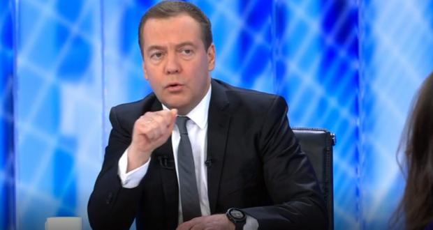 Дмитрий Медведев зачитывается книгами татарской писательницы