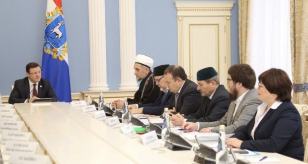 Governor Dmitry Azarov holds a working meeting with Mufti of the Samara Region